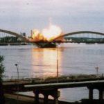 Најдуже је пројектилима НАТО авијације одолевао друмско-железнички Жежељев мост. Бомбардовање моста почело је 5. априла и од тад је у 12 наврата био изложен разорним ударима. Дефинитивно је срушен 23. априла 1999.