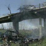 """Првог маја 1999 , НАТО авијација гранатирала је у 13 часова аутобус """"Ниш-експреса'' са путницима, који се кретао преко Подујева ка Приштини при чему је убијено између 60 и 70 путника, махом жена и деце. Само деце је било петнаестак."""